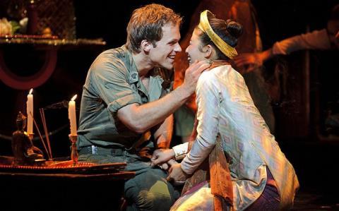 'Miss Saigon' trở lại sân khấu Broadway với cả mô hình trực thăng