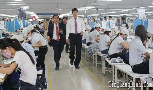 6 tháng đầu năm 2015, Xí nghiệp May Hà Quảng sản xuất trên 2,68 triệu sản phẩm