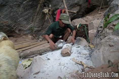 A Rem, tộc người sống trong hang động xưa – Kỳ 1: Người từ hang đá viễn xưa