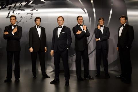 Anh bày tượng sáp 6 tài tử trong vai James Bonds
