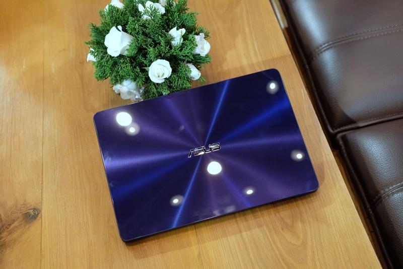 Asus ra 3 laptop mới mỏng nhẹ, pin lâu tại Việt Nam
