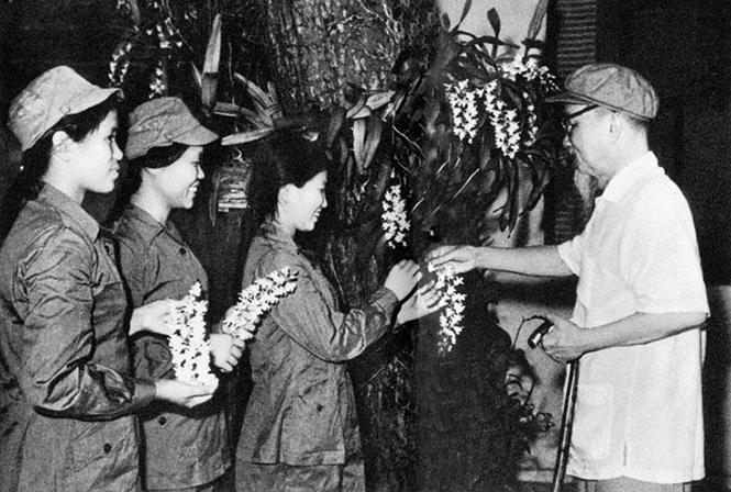 Ba đóa hoa ngát hương nơi tuyến lửa - Bài 1: Đẹp như hoa phong lan
