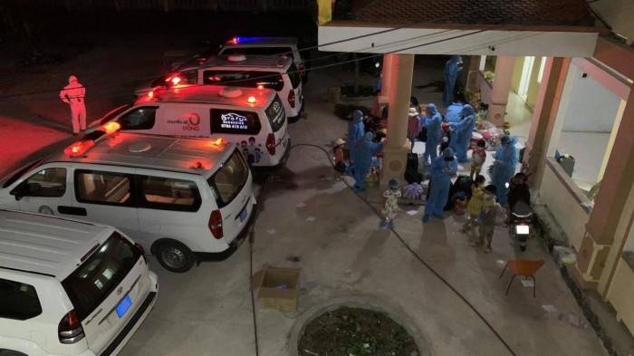 Bác sĩ và nhân viên y tế ở Quảng Bình dương tính Covid-19 khi làm nhiệm vụ