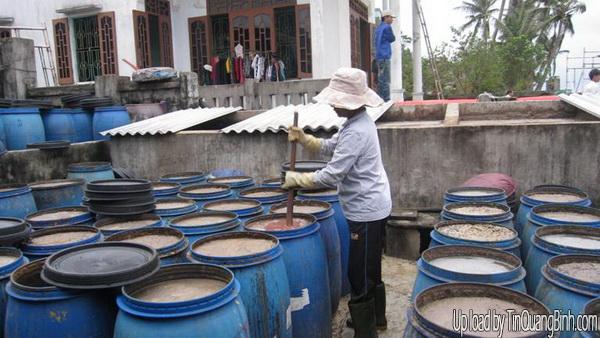 Bảo tồn nghề làm nước mắm truyền thống ở Đồng Hới