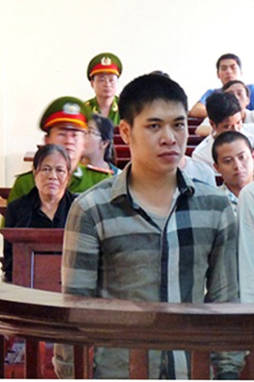 Bất ngờ nhận án tử, gã thanh niên hốt hoảng lật mặt 'bạn vàng'