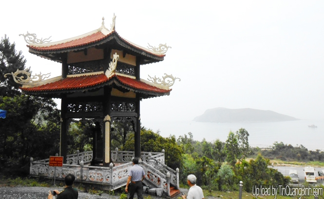 Bên mái đèo Ngang