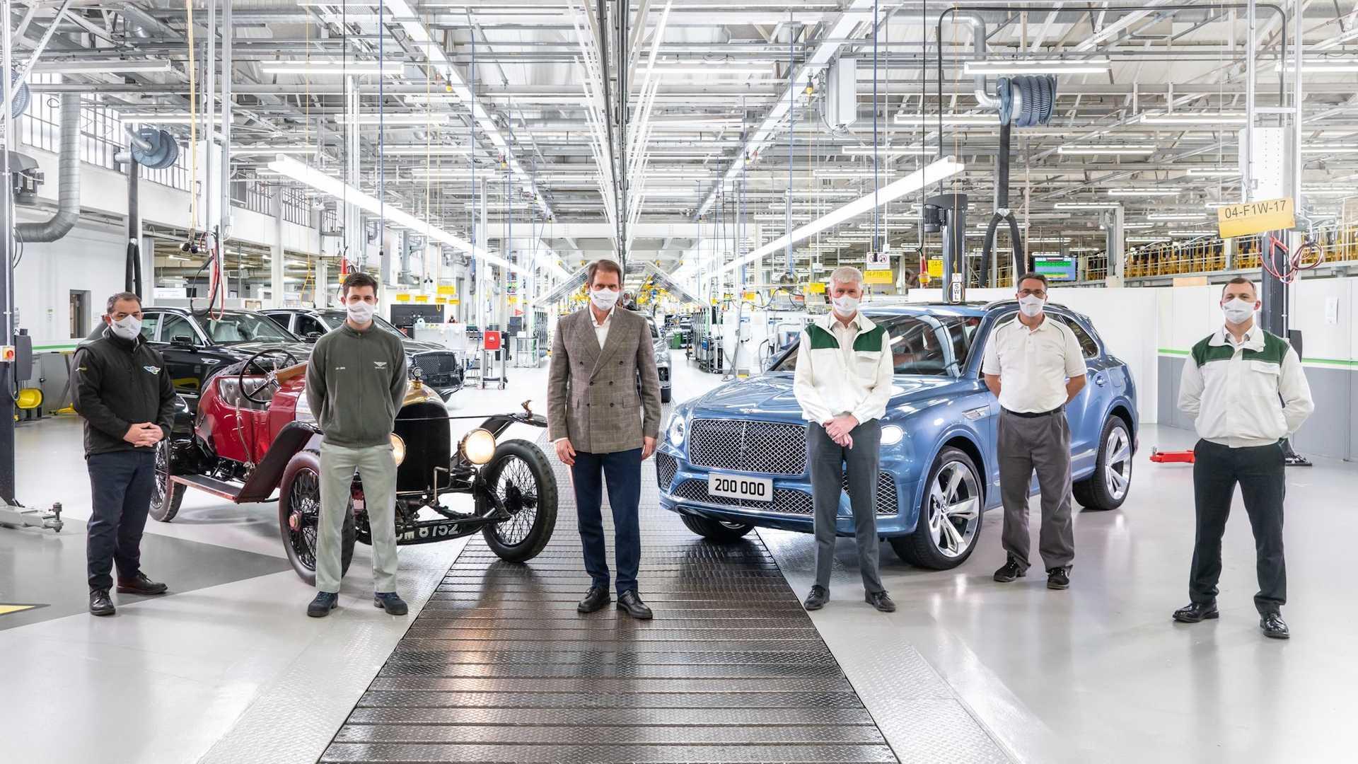 Bentley cán mốc 200.000 xe sau 102 năm