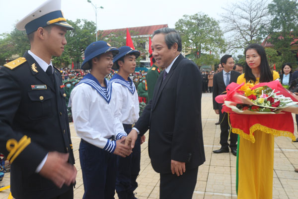 Bí thư Tỉnh ủy dự lễ giao nhận quân năm 2020 tại huyện Quảng Ninh