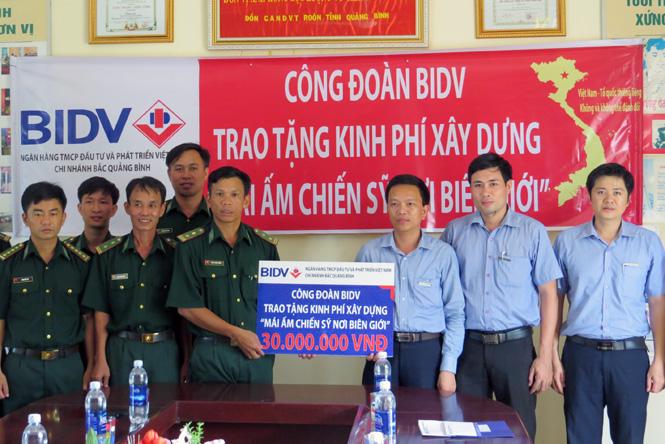 """BIDV Bắc Quảng Bình ủng hộ 30 triệu đồng chương trình """"Mái ấm chiến sĩ nơi biên giới"""""""