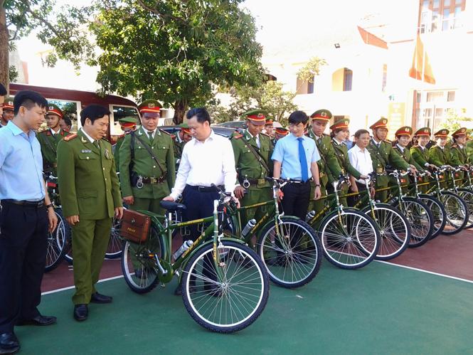BIDV Quảng Bình trao tặng 100 xe đạp chuyên dụng phục vụ tuần tra của lực lượng Công an tỉnh