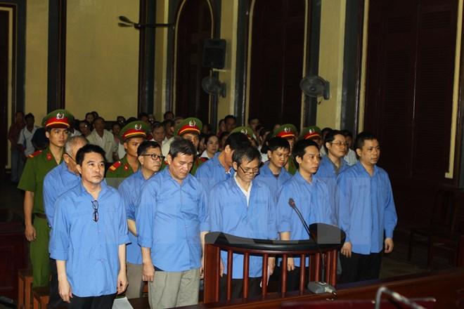 Bộ Chính trị ra chỉ thị về xử lý vụ việc, vụ án tham nhũng