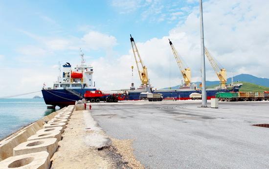 Bổ sung cảng xăng dầu Hòn La vào quy hoạch