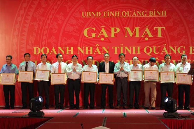 Chủ tịch UBND tỉnh gặp mặt doanh nhân Quảng Bình