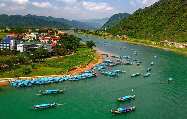 Có 401 đội thuyền phục vụ du lịch tại Phong Nha - Kẻ Bàng