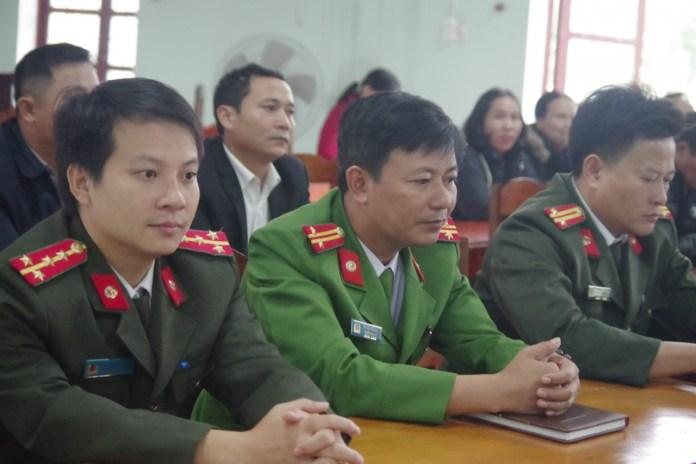 Công an huyện Quảng Trạch phối hợp với cấp ủy chính quyền địa phương tổ chức ra mắt, giao nhiệm vụ cho Công an Chính quy đảm nhiệm các Chức danh Công an xã