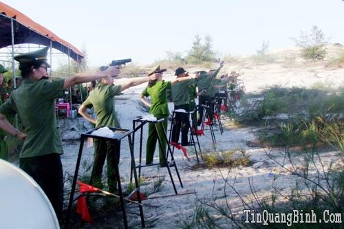 Công an tỉnh: Tổ chức Giải Bắn súng quân dụng năm 2015