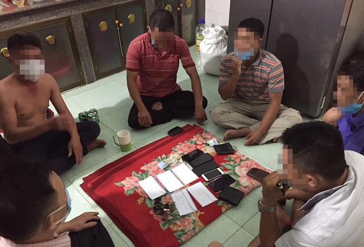 Công an xã Đức Ninh bắt các nhóm đối tượng đánh bạc trong thời điểm dịch Covid-19