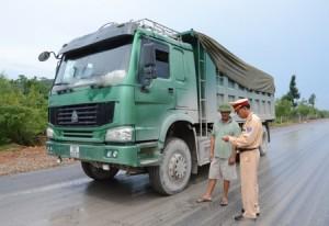 CSGT Quảng Bình: 3 ngày, phạt xe quá tải gần 200 triệu đồng