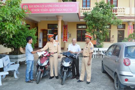 CSGT Quảng Bình trao trả nhiều xe mô tô bị kẻ gian đánh cắp