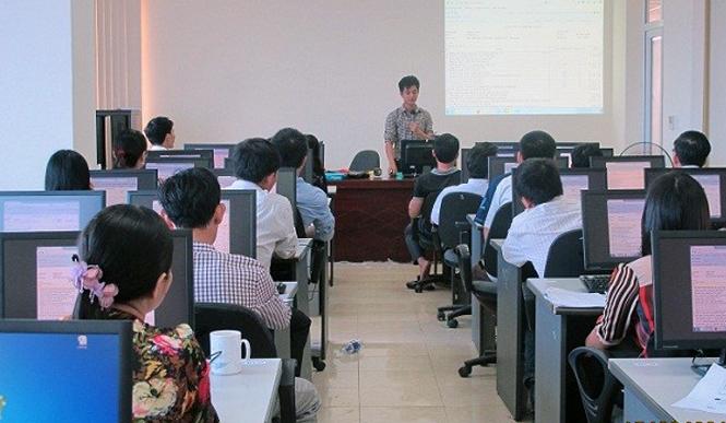 Cục Thuế Quảng Bình: Nỗ lực phấn đấu hoàn thành chỉ tiêu nộp thuế điện tử