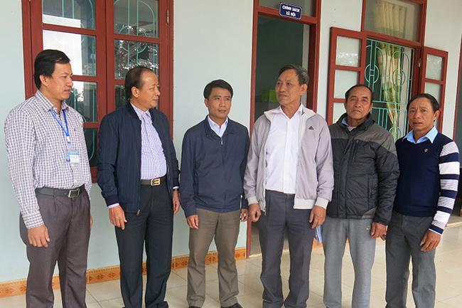 Đại biểu HĐND tỉnh tiếp xúc cử tri sau kỳ họp thứ 8