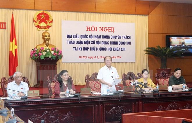 Đại biểu Quốc hội chuyên trách thảo luận một số dự án luật