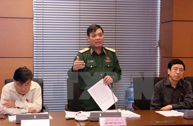 Đại biểu Quốc hội thảo luận dự án Luật quân nhân chuyên nghiệp