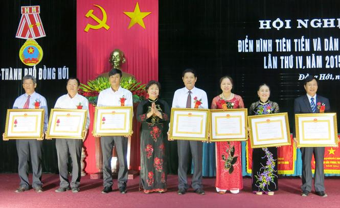 Đẩy mạnh việc học tập và làm theo tấm gương đạo đức Hồ Chí Minh ở thành phố Đồng Hới: Sâu rộng, thiết thực, hiệu quả