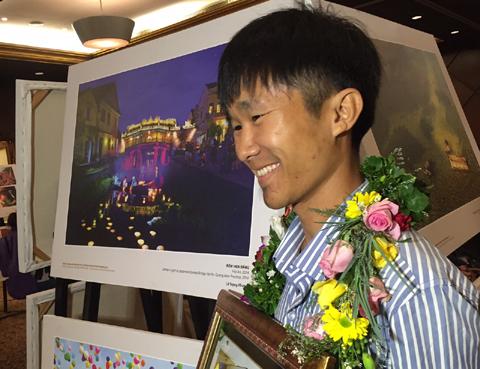 'Đêm hoa đăng' và 'Lễ hội người Dao' đoạt giải Nhất ảnh Di sản Việt Nam