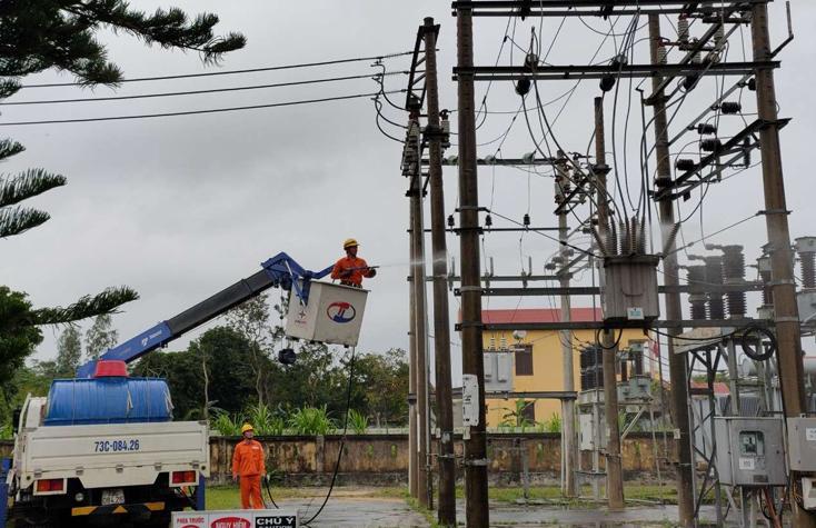 Điện lực Bố Trạch: Chủ động bảo đảm nguồn điện phục vụ Tết Nguyên đán Canh Tý