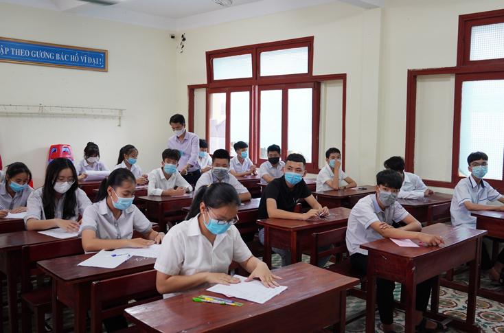 Điều chỉnh, bổ sung chỉ tiêu lớp, học sinh cho các trường THPT năm học 2021-2022