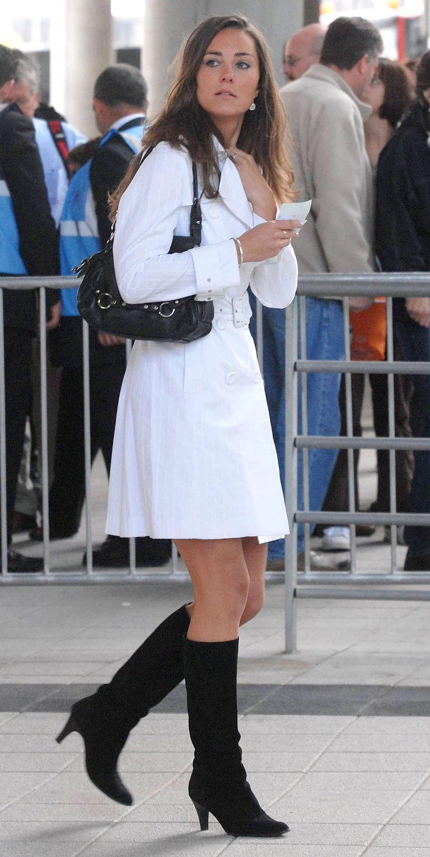Đọ style trước khi gia nhập Hoàng gia: Công nương Kate mặc đẹp do năng khiếu, Meghan Markle chơi trội mà vẫn không sánh bằng?