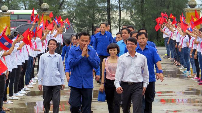 Đoàn công tác Đoàn Thanh niên Cách mạng Nhân dân Lào tỉnh Khăm Muộn đến thăm và làm việc tại Quảng Bình