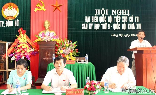 Đoàn đại biểu Quốc hội tỉnh tiếp xúc cử tri sau kỳ họp thứ 9