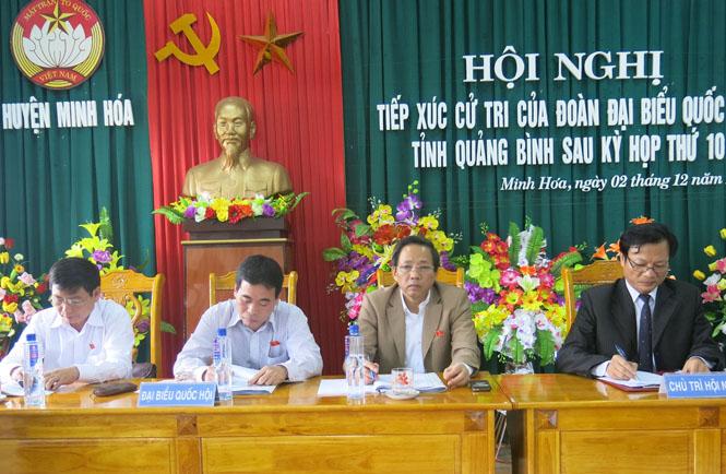 Đoàn đại biểu Quốc hội tỉnh tiếp xúc cử tri tại huyện Minh Hóa