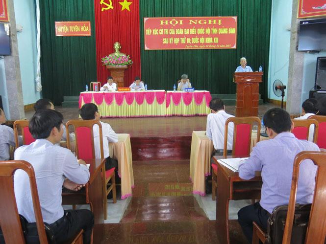 Đoàn đại biểu Quốc hội tỉnh tiếp xúc cử tri tại huyện Tuyên Hóa
