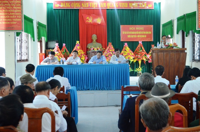 Đoàn đại biểu Quốc hội tỉnh tiếp xúc cử tri tại thị xã Ba Đồn