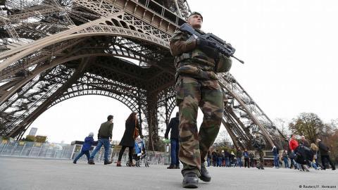 Đời sống văn hóa ở Paris 'đóng băng' sau các vụ tấn công