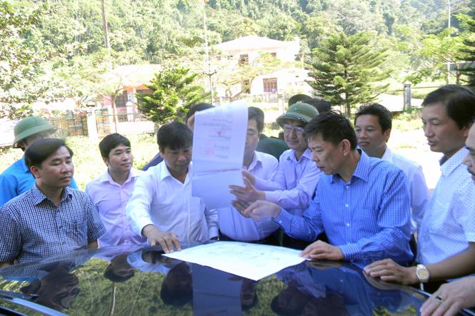 Đồng chí Chủ tịch UBND tỉnh kiểm tra tình hình hoạt động tại Khu kinh tế Cửa khẩu quốc tế Cha Lo