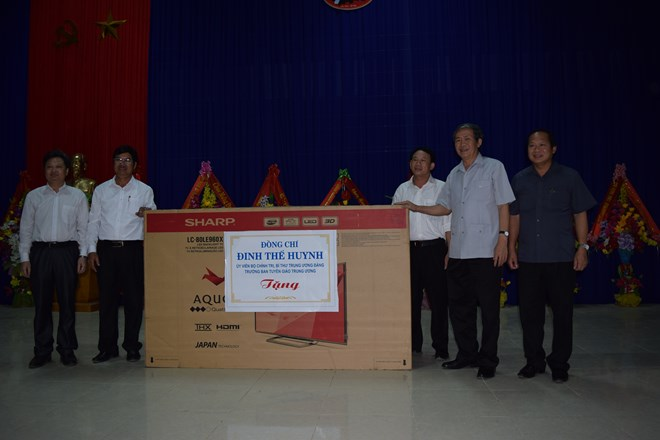 Đồng chí Đinh Thế Huynh thăm và làm việc tại Quảng Bình