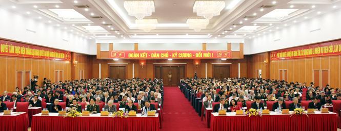 Đồng chí Nguyễn Xuân Phúc: Tranh thủ thời cơ, vượt qua khó khăn, thách thức để đưa Quảng Bình phát triển nhanh và bền vững
