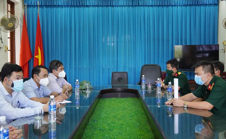 Đồng chí Phó Chủ tịch Thường trực UBND tỉnh kiểm tra hoạt động các khu cách ly