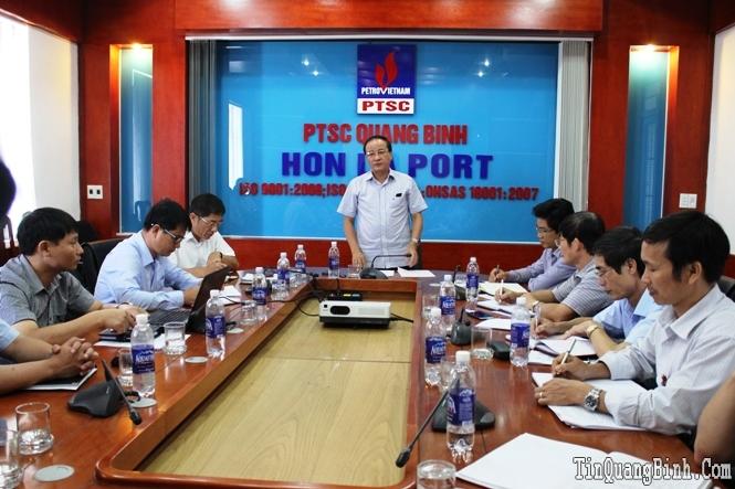 Đồng chí Phó Chủ tịch UBND tỉnh kiểm tra tình hình hoạt động tại cảng Hòn La