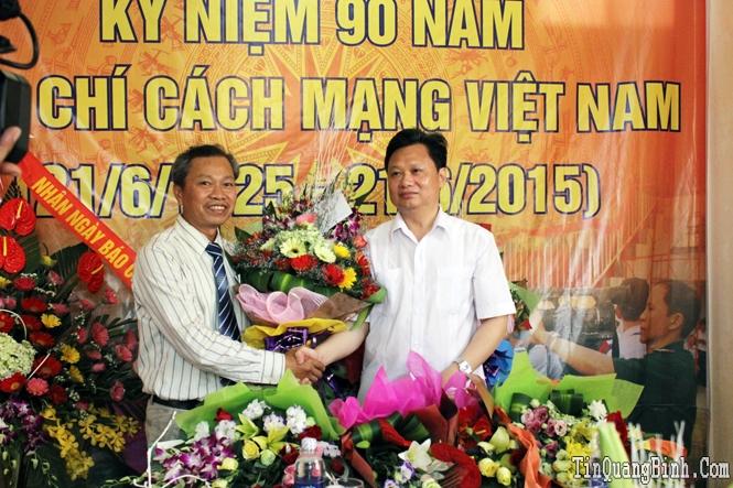 Đồng chí Phó Chủ tịch UBND tỉnh thăm và chúc mừng Hội Nhà báo Việt Nam tỉnh