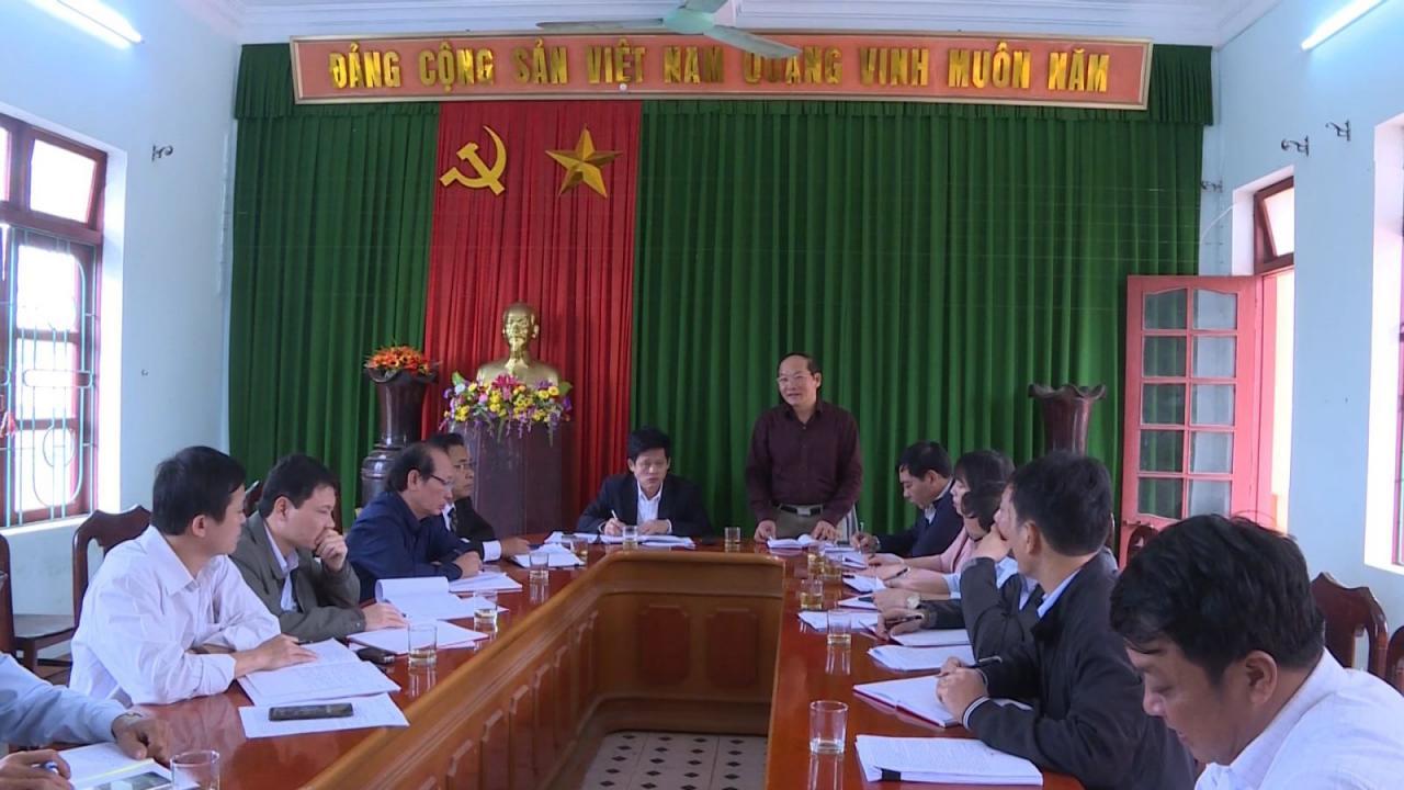 Đồng chí Trưởng Ban Tổ chức Tỉnh ủy kiểm tra công tác chuẩn bị Đại hội điểm tại Đảng bộ xã An Thủy