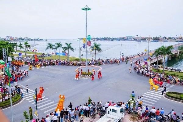 Đồng Hới tưng bừng trong vũ hội Carnaval