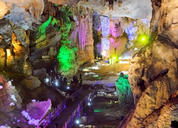 Động Thiên đường - Quảng Bình (Paradise cave in Quang Binh, Vietnam)