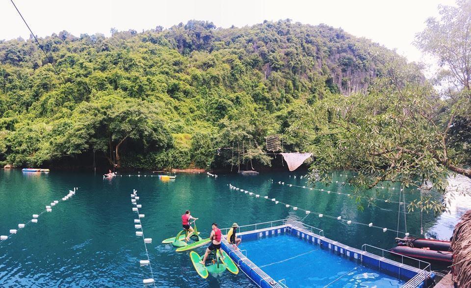 Đu dây mạo hiểm trên sông Chày - Quảng Bình hút hồn giới trẻ ưa khám phá