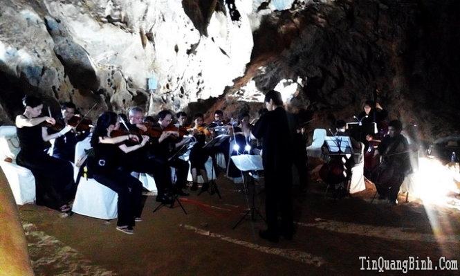 DU LỊCH Hòa nhạc trong động Phong Nha phục vụ du khách