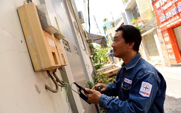 EVN thừa nhận tiền điện tăng ít nhất 35%